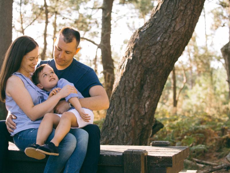 Fotografía de familia en Galicia: Tania + Vicente + Martín